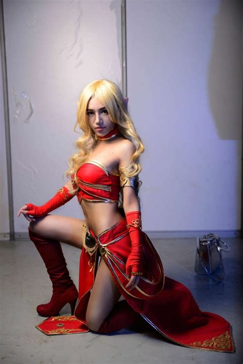 Awesome Blood Elf Cosplay From World of Warcraft