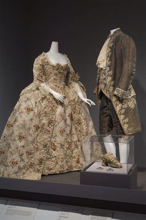 1755-1760 French court dress Ivory silk brocade (The