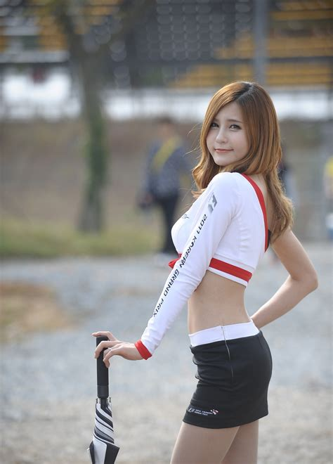 Korean Pretty lady Sexy from motor racing page - Milmon