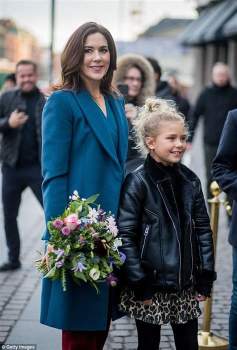 Princess Mary stuns in suit at Copenhagen Fashion Week