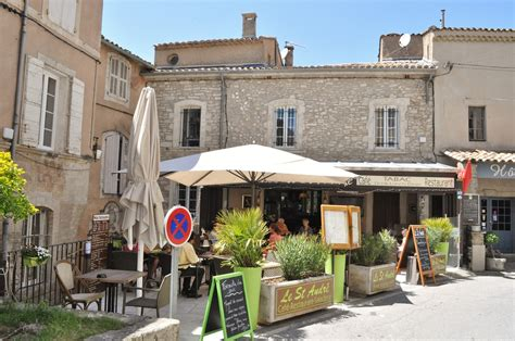 Our House in Provence: Al Fresco Lunch at Restaurant l