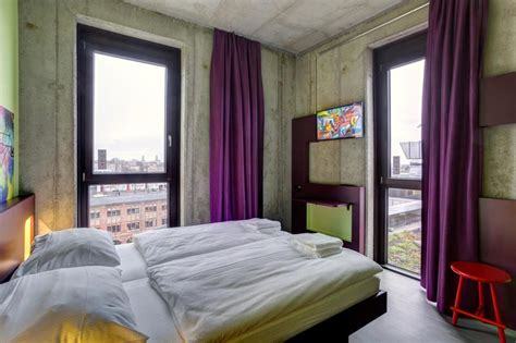 10 BEST Hostels in Berlin for partying & MORE (2020