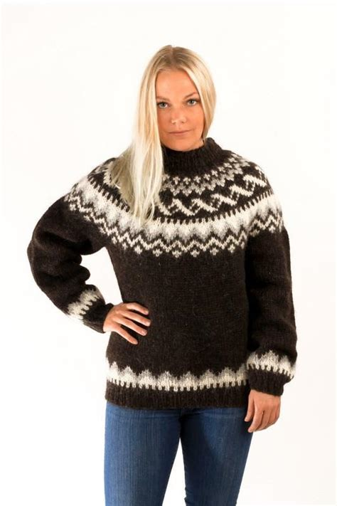 Traditional Icelandic Wool Pullover Black – Nordic Store