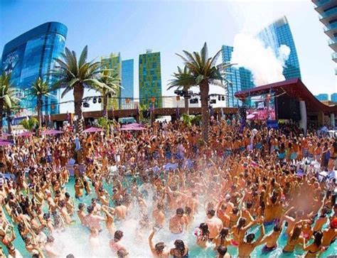 Fun in your flip flops: it's Vegas Pool Party Season