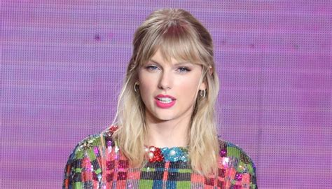 Taylor Swift exposes performance ban 'punishment' from