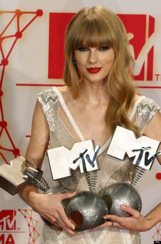 Swifty News : A Taylor Swift Fansite - News