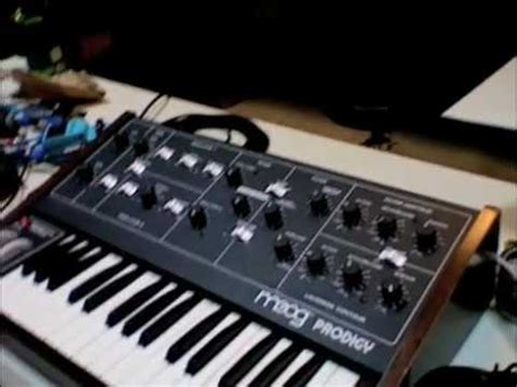 Moog Rhymes With Vogue – Synthtopia