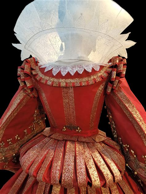 Isabelle de Borchgrave exhibition: 'Fashioning Art from