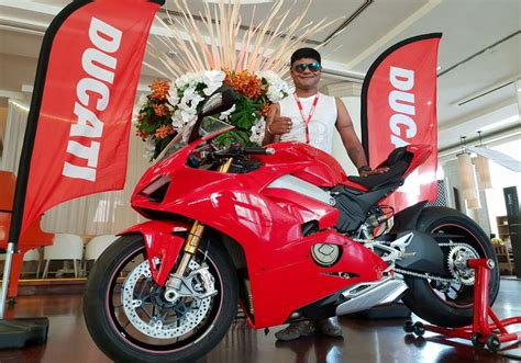 India gets its first Ducati Panigale V4 S and we love it