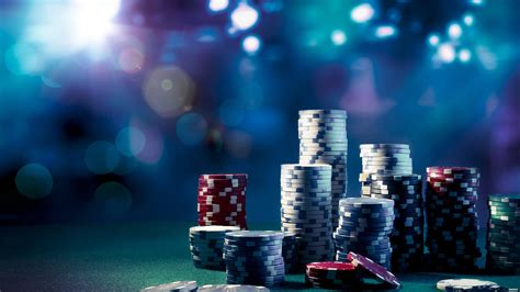 Online Gambling or Land Based - Which is better? Find out